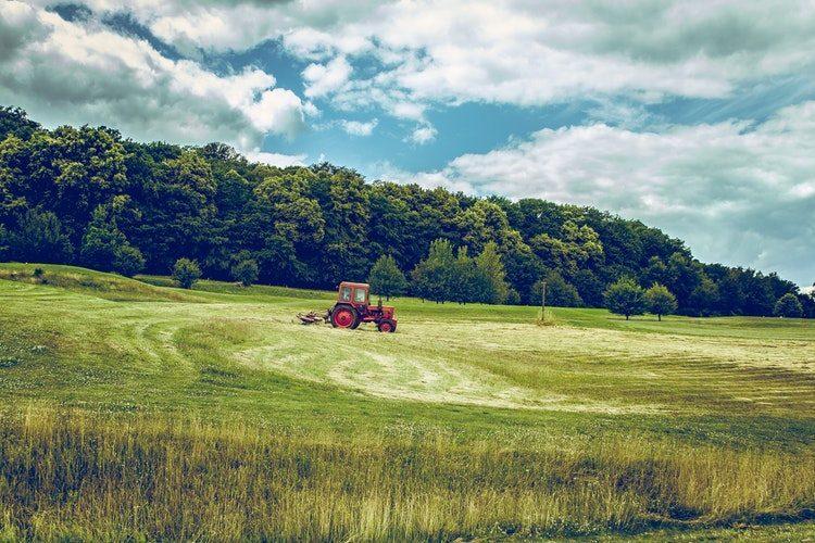 escolher trator agrícola